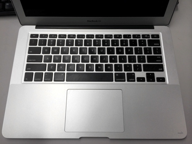 macbookair_palmguard_貼った後