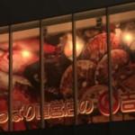上野(御徒町)の総合食品スーパーマーケット吉池。鮮魚も肉も野菜も。