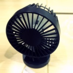 急な気温の上昇に耐えられず、静音な『Volador USB扇風機 二重反転ファン』を購入した