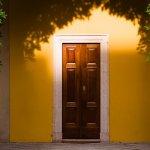 セキスイハイムユニット工法の弱点と窓先空地に関する条例で希望の玄関庇がつかない