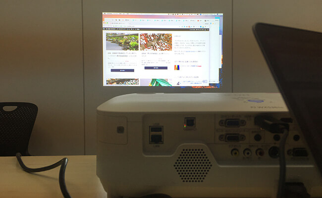 PJ WX5361nにHDMI・USB-Cで接続し、Retina表示にした