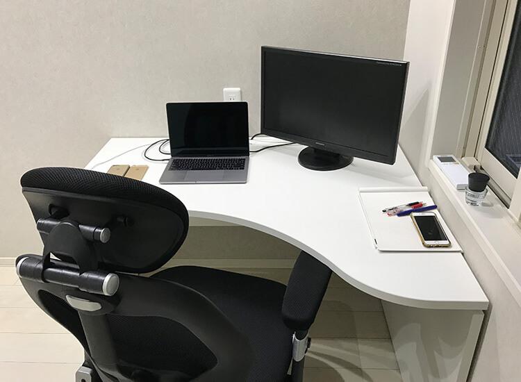 Garage デスクAF MacBookPro と 拡張モニタ