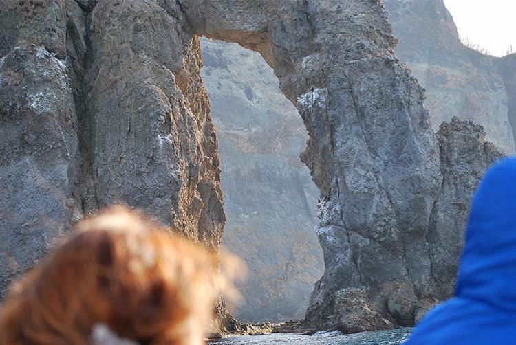 青の洞窟クルーズ 航路途中の岩